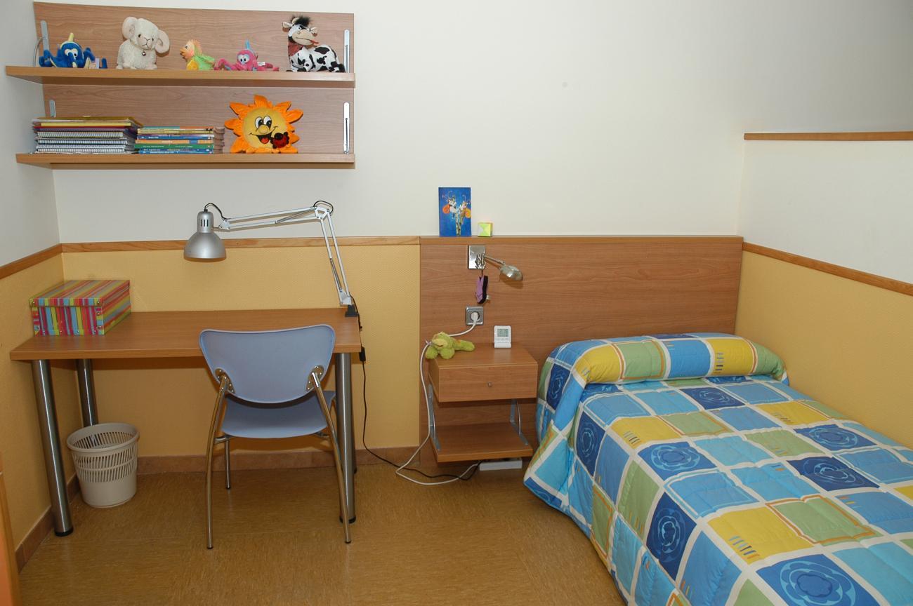 Uno de los dormitorios de la Escuela (zona individual)